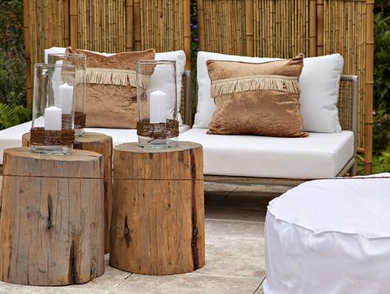 Mobilier de jardin en bois brut