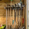 outils jardin abri